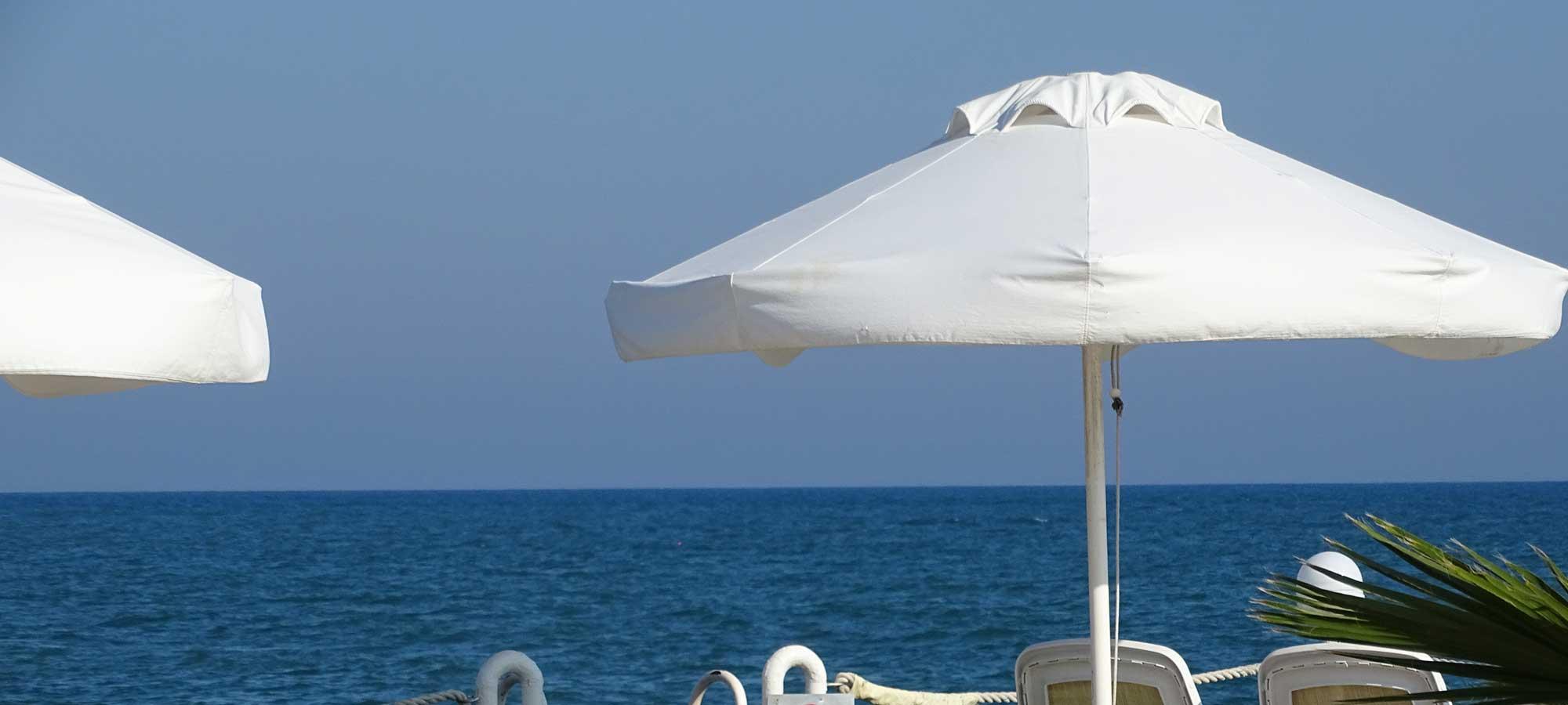 Sonnenschutz: Markise, Sonnenschirm und Co.